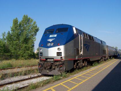 2005_Amtrak_Maple_Leaf引用先の企業名、イベント名、写真家名の正式表記を入れてください0