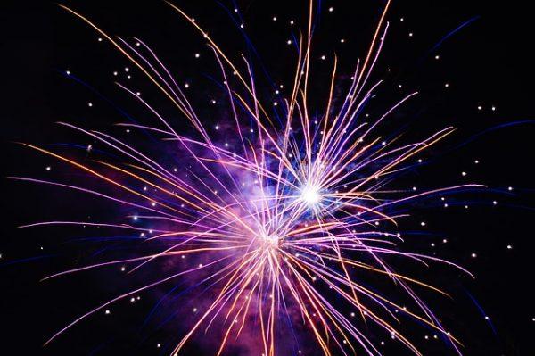 fireworks-1827537_640