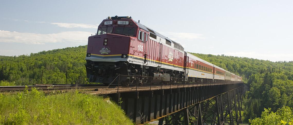アガワ渓谷鉄道列車