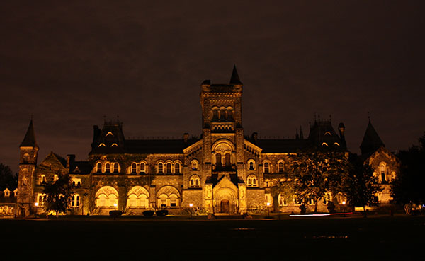 univ_coll_toronto_at_night_33