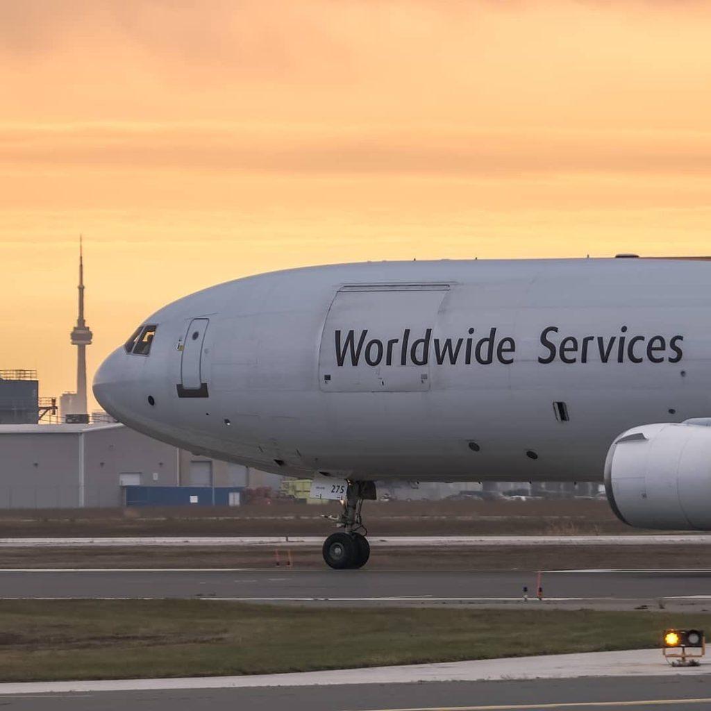 トロント・ピアソン空港でカナダに入国した旅行者や帰国者を対象に無料PCR検査を開始